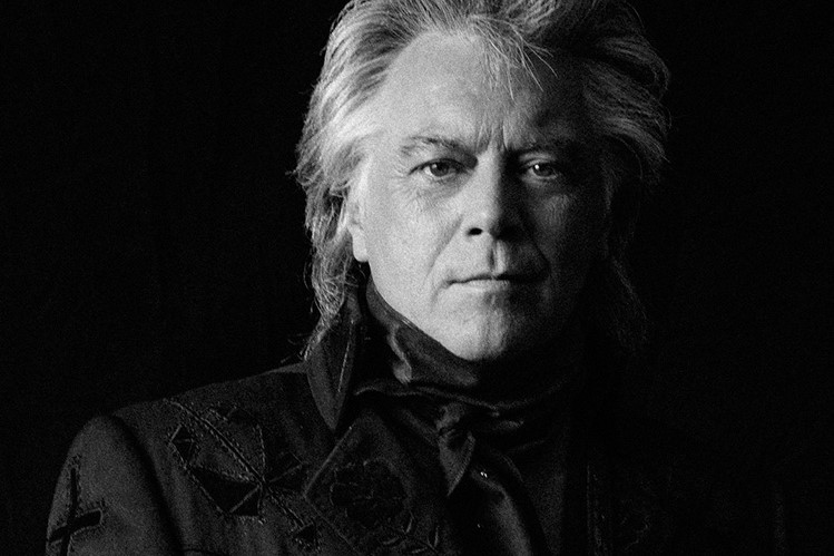 marty stuart to join chris stapleton on 36 dates of the all american road show u s tour. Black Bedroom Furniture Sets. Home Design Ideas